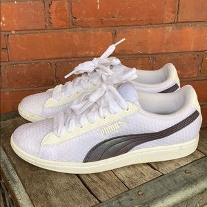 PUMA White Grey Soft Foam Sneakers Velvet Ties